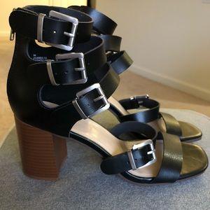 Nine West chunky heel w/straps Sz 9